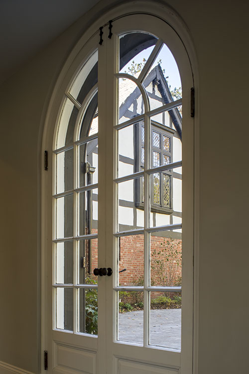 Interior window in the Colston house.